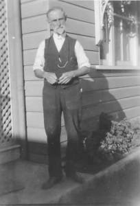 Obadiah in front of The Gables 28 Swann Road Taringa - Obadiah Watson 5 Jul 1930 (003)