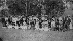 Sinnamon Memorial Uniting Church Sunday School picnic Seventeen Mile Rocks c1909 - State Library of Queensland